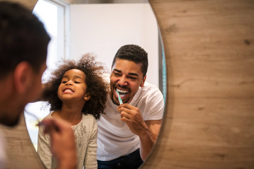FUN CO-BRUSHING TIPS FOR KIDS AND PARENTS