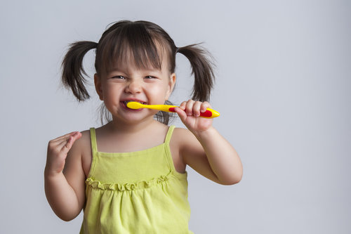 Toothbrushing Play Encourages Toddlers to Brush Teeth